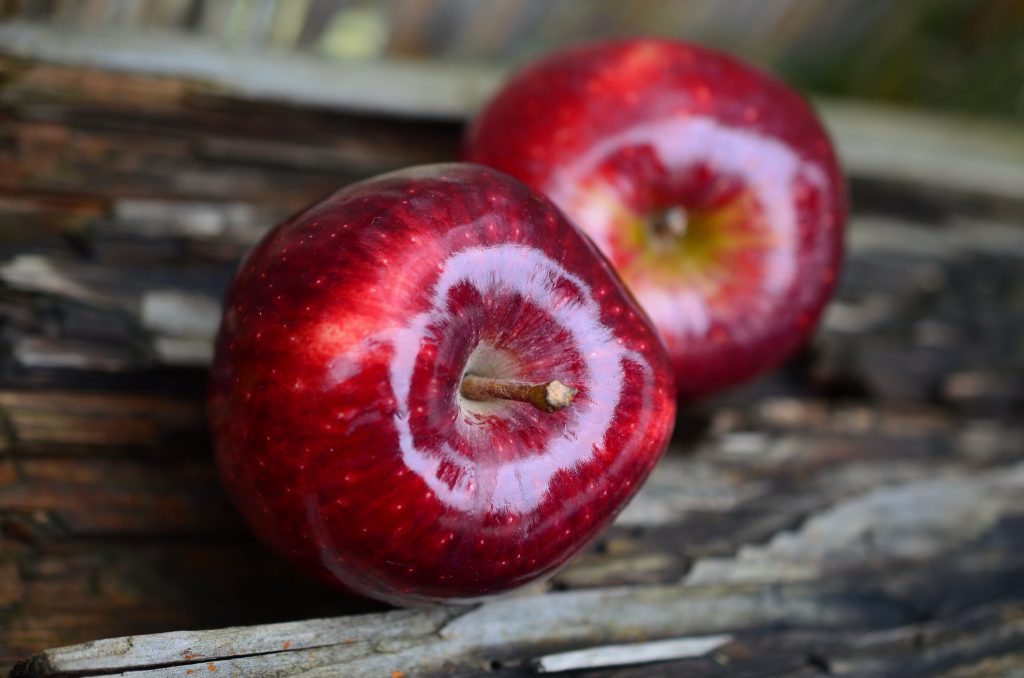 apple-red-apple-fruit-red-38240